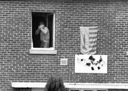 Snoeck schiet op 9 maart 1980 op een betogende groep Vlamingen. Het huis werd vervolgens bestormd, Snoeck werd door de Rijkswacht weggevoerd en zijn huis kreeg een gratis verbouwing.