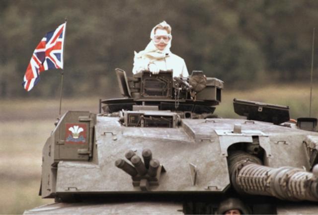 Thatcher nam de rol aan van Britse militaire leider die de tanende Britse invloed zou doen keren.