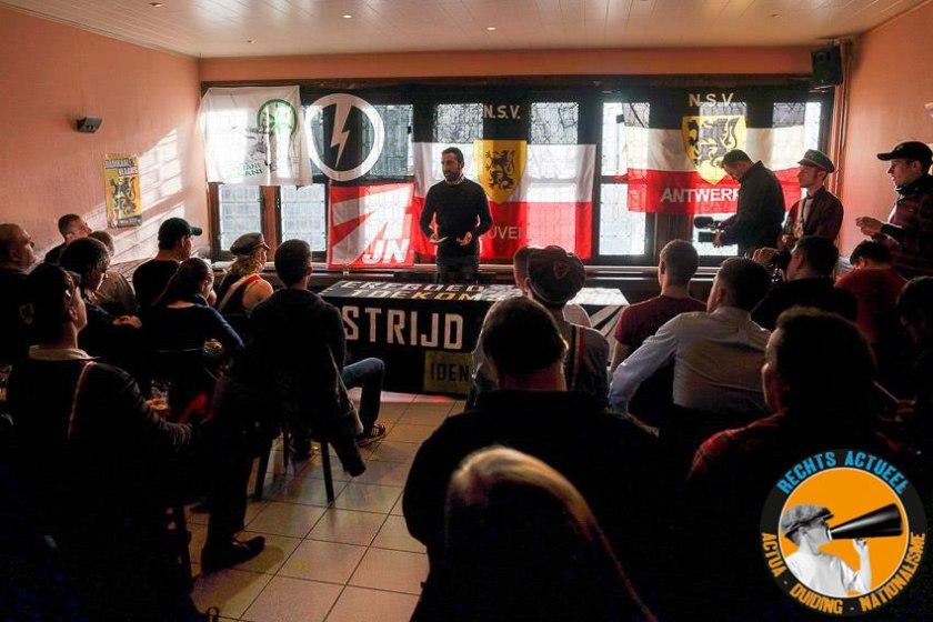 Ondanks de boycot van 'democratisch' links en van de KU Leuven, liepen globaal gezien toch een goede 150 nationalisten even binnen in één van de twee locaties waar het colloquium plaatsvond.