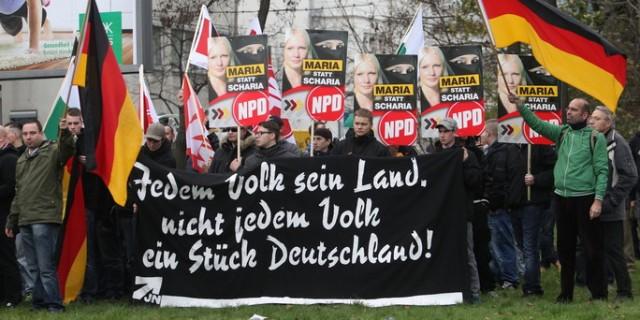 NPD demonstriert gegen geplante Moschee
