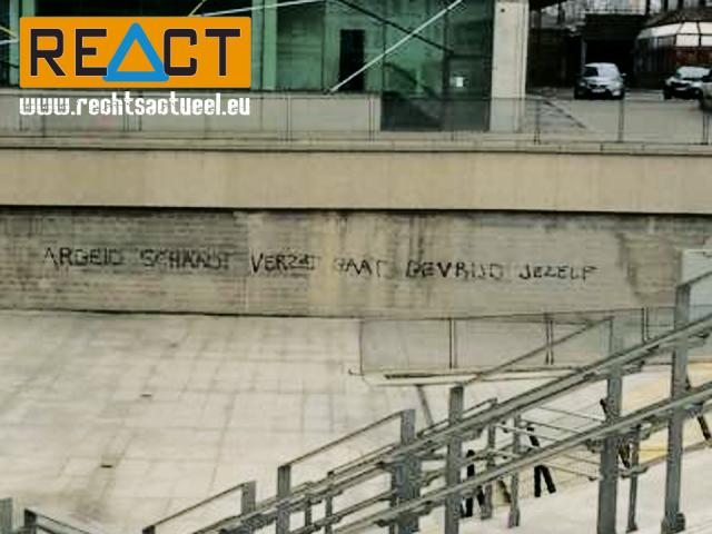 """Vakbondsvandalisme aan het NMBS-station Gent Sint-Pieters: """"Werken schaadt verzet gaat bevrijd jezelf""""."""