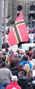 Verzetsvlag, nadrukkelijk aanwezig in de demonstratie.