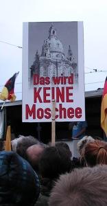Demonstrant tegen de islamisering van Europa.