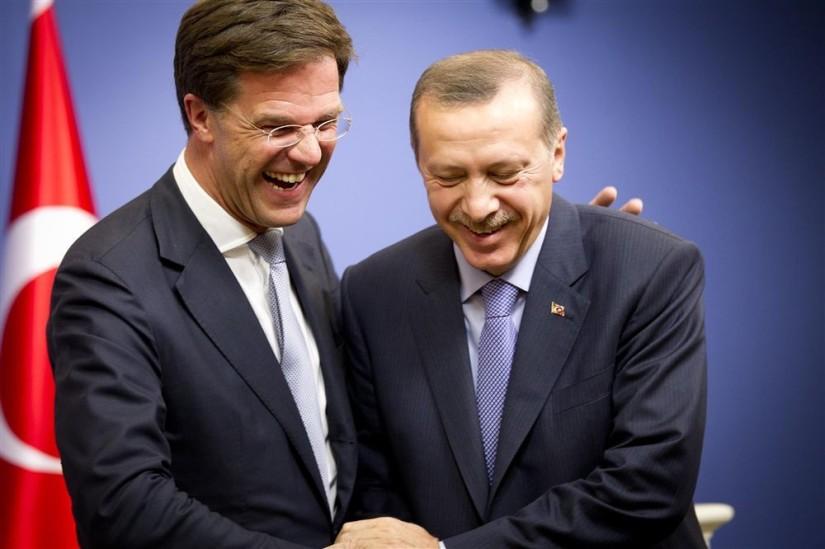 """Rutte liegt! Turkse minister was wél welkom, maar als het even kon """"na de verkiezingen"""""""