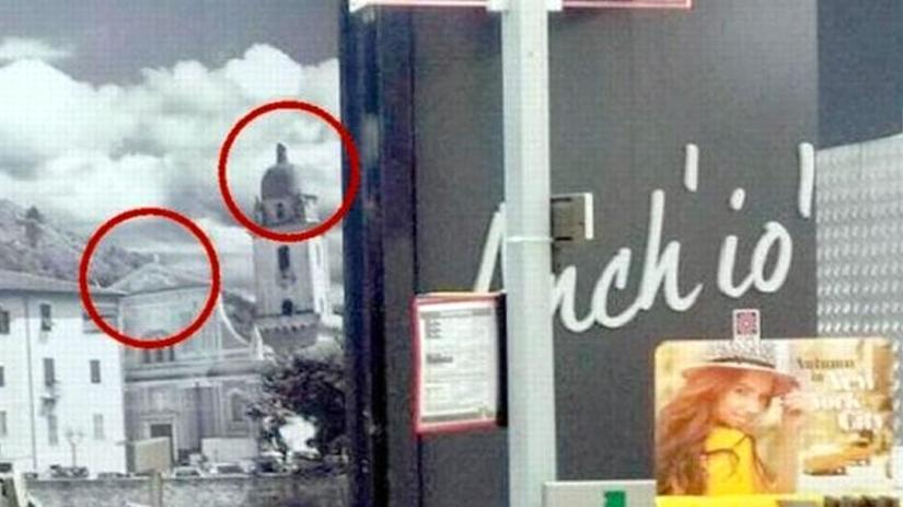 Lidl haalt opnieuw kruisen van kerk op foto, burgemeester dreigt met juridischestappen