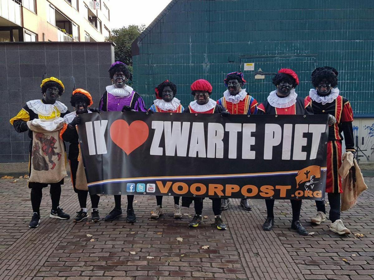 Voorpost en PEGIDA voeren actie voor Zwarte Piet in Utrecht