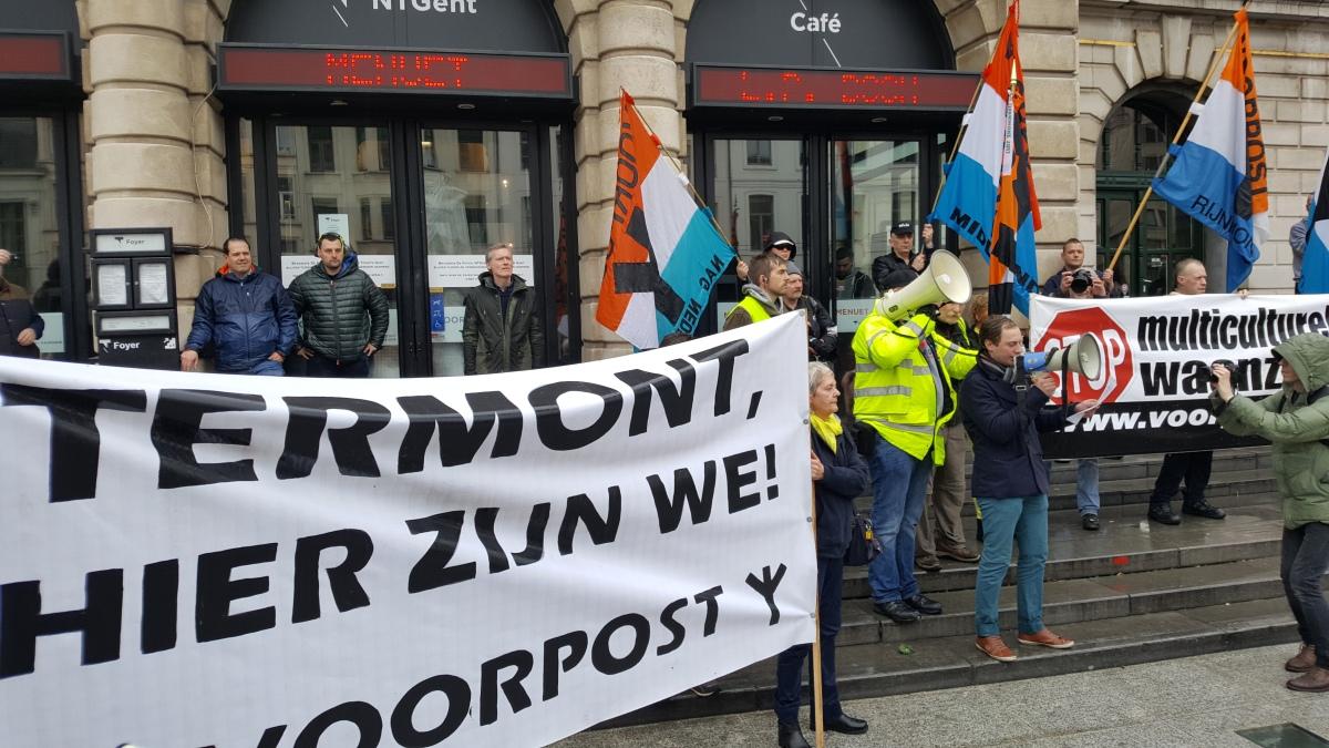 (VIDEO) 400 Vlamingen en Nederlanders betogen in Gent tegen moskee