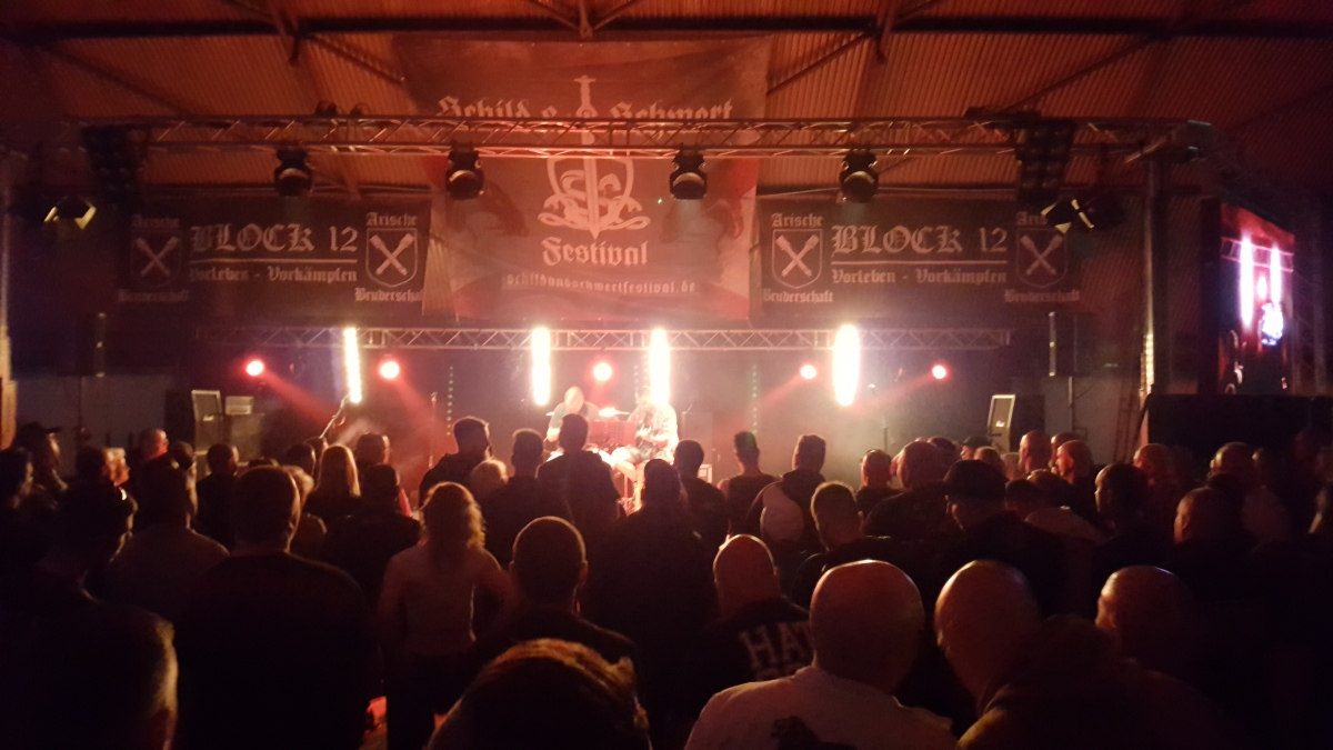 1000 Duitse nationalisten op 'Schild en Zwaard'-festival in Ostritz