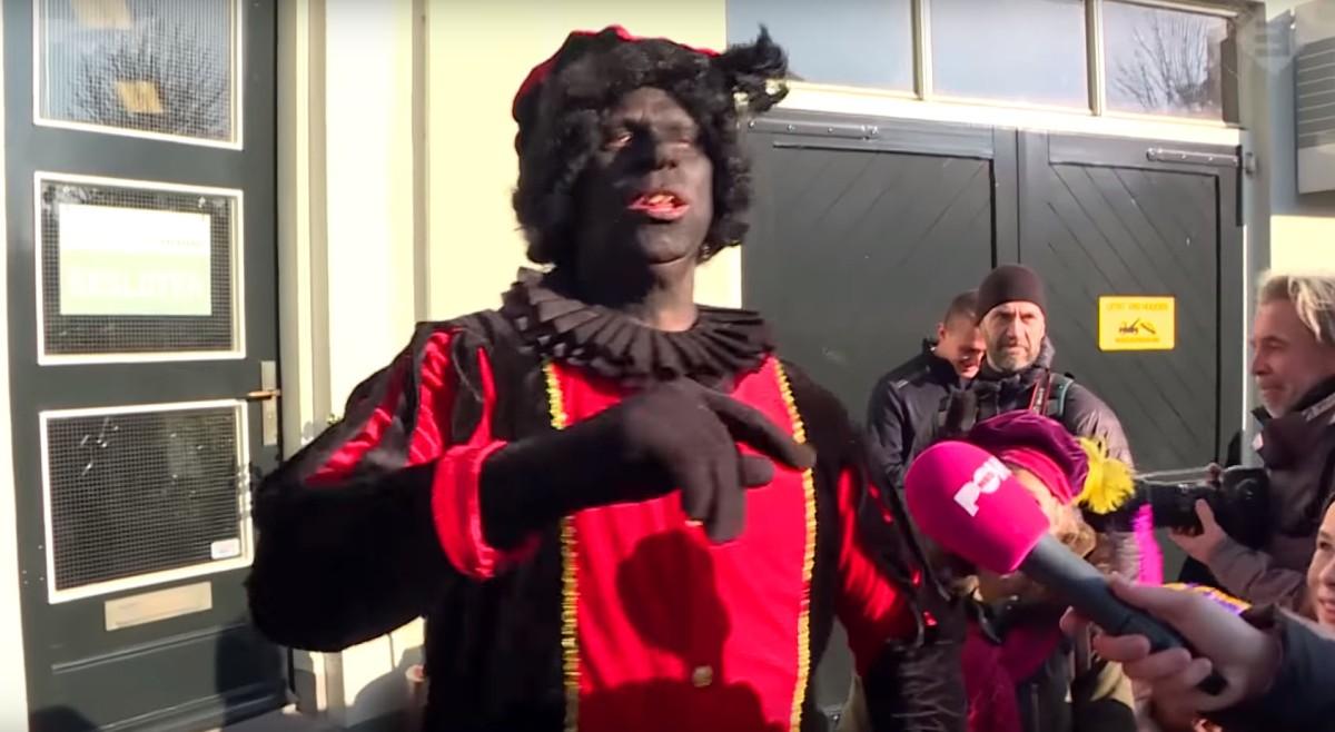 Extremistische anti-Zwarte Piet-activisten botsen bij Sinterklaasintochten op Nederlands verzet