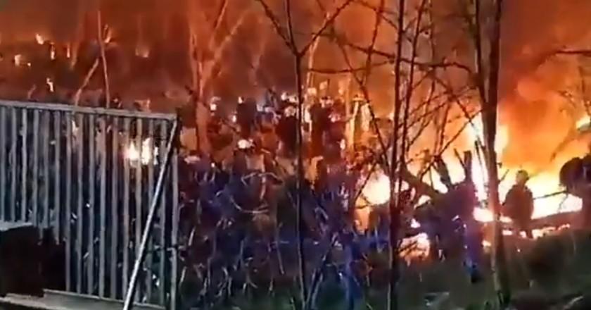 Branden in migrantenkampen bij Turks-Griekse grens