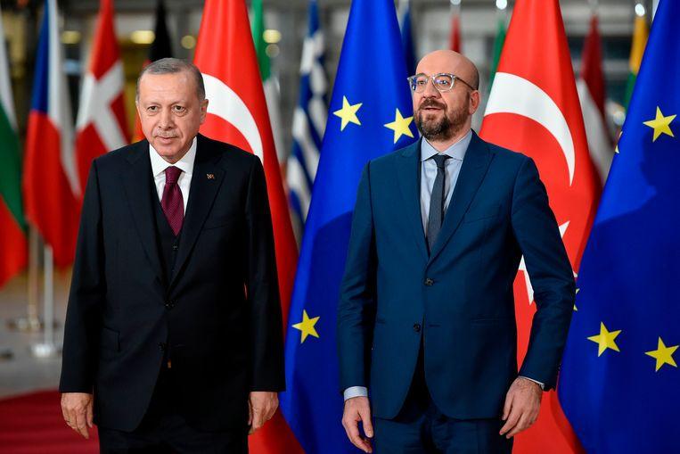"""Erdogan gisteren in Brussel tegen fans: """"Jullie zijn mijn oren ogen en WAPENS…"""""""