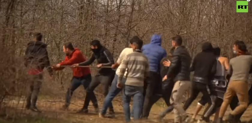 Duitse inlichtingendienst: Turken organiseerden rellen migranten aan Turks-Griekse grens